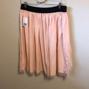 Dusty pink mesh skirt with stretchy waistband